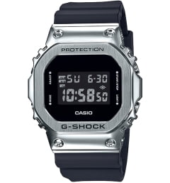 Бочкообразные Casio G-Shock GM-5600-1E