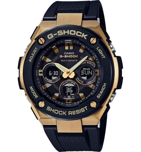 Часы Casio G-Shock GST-W300G-1A9 на солнечной атарее